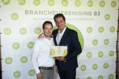 """Van der Garde Duiven winnaar Gouden Award """"Beste Tuinmeubelwinkel van Nederland"""""""